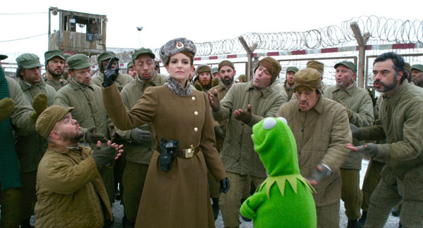 """""""MUPPETS MOST WANTED"""" (Pictured) NADYA (Tina Fey) and KERMIT. ©2013 Disney Enterprises, Inc. All Rights Reserved."""