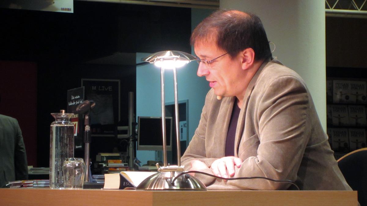Andreas Eschbach bei der Lesung.