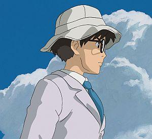 Jiro Horikoshi: Ein Mann mit Brille, weißem Hut und entschlossenem Blick.