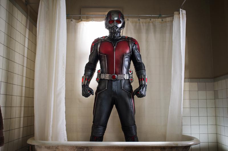 Ant-Man: Ein Mann in einem Ganzkörperanzug mit Helm.