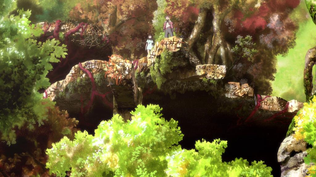 Grün überwucherte Ruinenlandschaft, dazwischen fast verschwindend klein ein Junge und ein Mädchen.