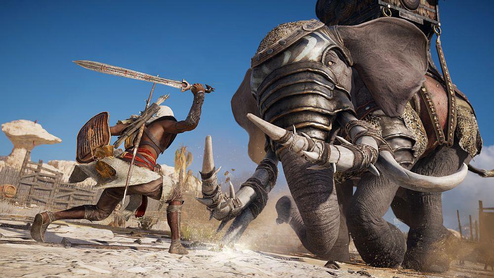 Ein alter Ägypter tritt mit erhobenem Schwert gegen einen Kriegselefanten an.